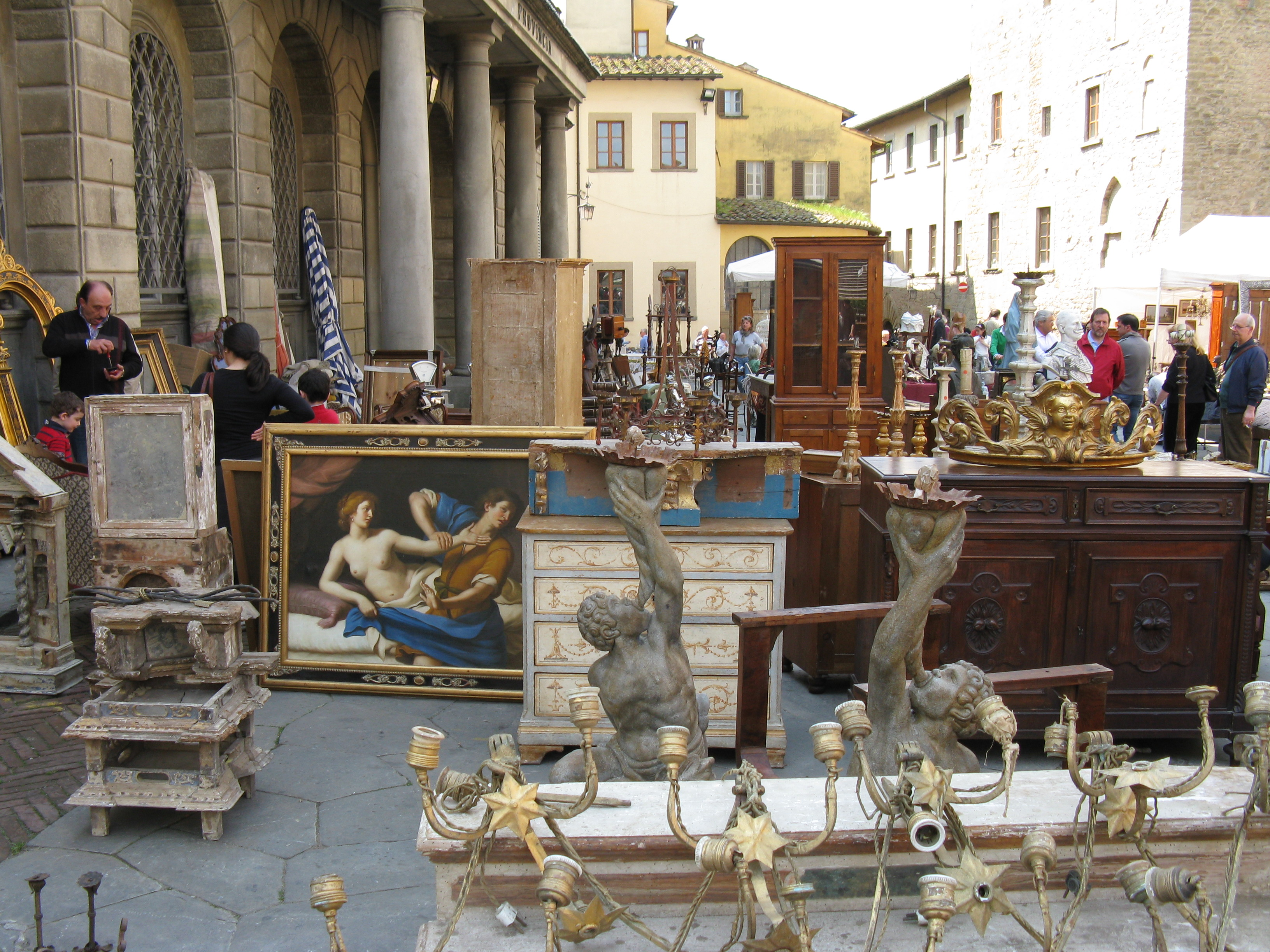 Every piece has a story at the Arezzo Antique Market